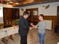 """Dobitnik nagrade """"Sodnik leta 2014"""" Barovič Nejc in vodja tekmovanja lig MNZ Ptuj Turk Janko"""
